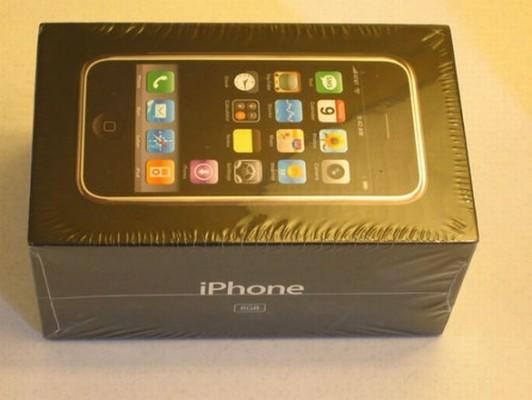 Il primo iPhone in vendita su eBay a 10.000 dollari