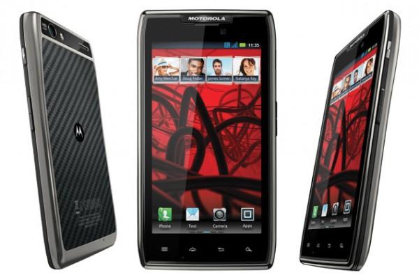 Motorola RAZR MAXX: ecco in video l'interfaccia di Android 4.0 ICS