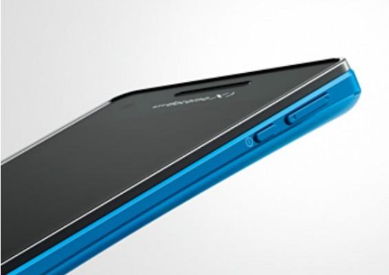 Sony Xperia AX: video promozionale del nuovo Android a prova d'acqua