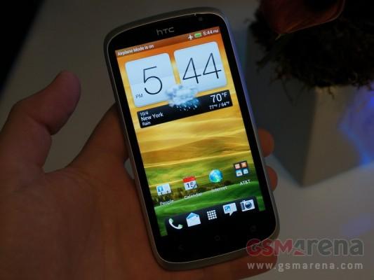 HTC One VX: immagini e prime impressioni del nuovo Android