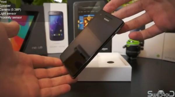 Sony Xperia V: ecco il contenuto della confezione