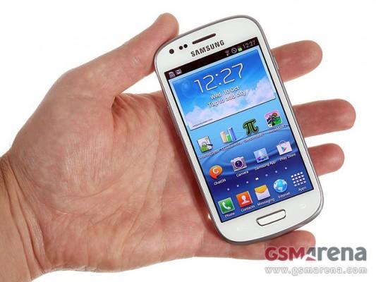 Samsung Galaxy S3 Mini si mostra in nuove immagini dal vivo