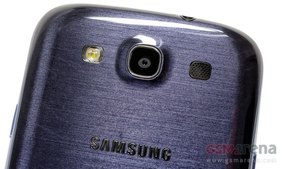 Apple iPhone 5 ancora battuto in UK dal Samsung Galaxy S3