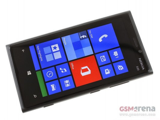 Nokia Lumia 920: video recensione del nuovo smartphone Windows Phone 8