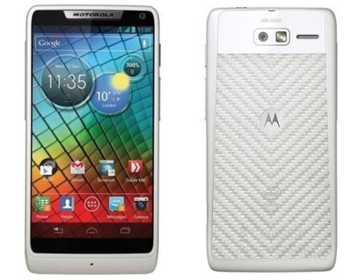 Motorola RAZR i: colorazione bianca in vendita in UK