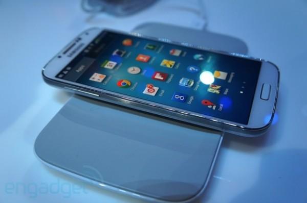 Samsung Galaxy S4: supporto caricabatterie wireless in alcuni Paesi