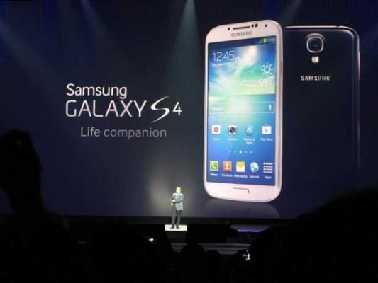 Samsung si aspetta di vendere 10 milioni di Galaxy S4 nel primo mese