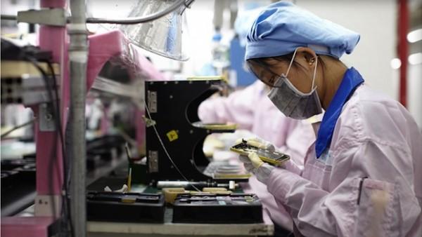 Apple iPhone 5S: Foxconn assume nuovi operai per migliorare la produzione