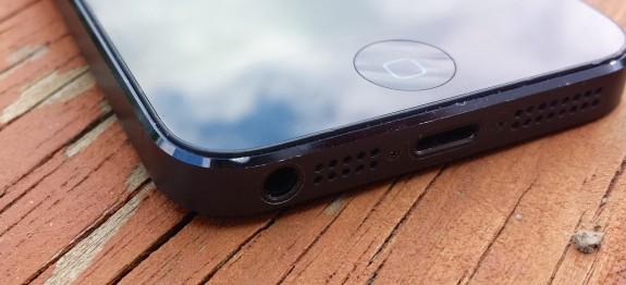 iPhone 5S: tasto Home capacitivo in zaffiro per il lettore di impronte digitali