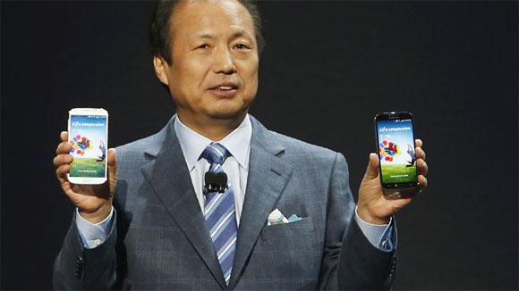 CEO di Samsung Mobile: il Galaxy S4 continua a vendere bene