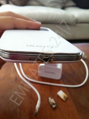 Samsung Galaxy S3 esplode, Galaxy S4 prende fuoco durante la ricarica