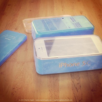 Apple iPhone 5C: rendering della confezione dell'iPhone low cost