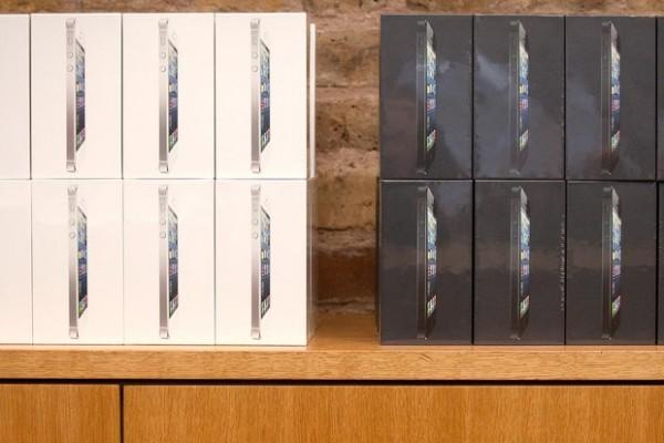 Bloomberg: ecco come Apple gestisce gli ordini dei nuovi iPhone