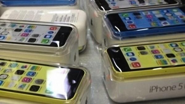I primi modelli di iPhone 5S e iPhone 5C arrivano negli USA