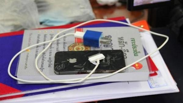 iPhone 4S: uomo muore per folgorazione a causa di caricabatterie non originale