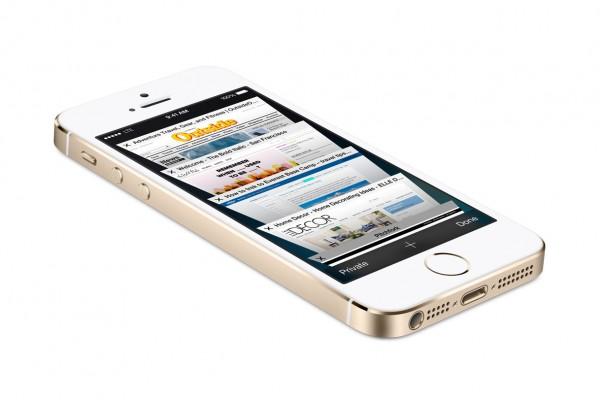 iPhone 5S batte il Samsung Galaxy S4 nel mese di Ottobre, record di vendite